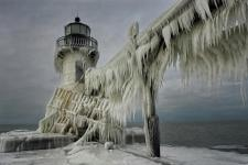 Frozen lighthouse - Lake Michigan, USA Photo by Thomas Zakowski