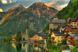 Lake Village, hallstatt, Austria. Photo by sakai chris