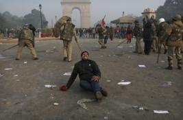 New Dehli - 22th December 2012 -compiled by femen india (4)