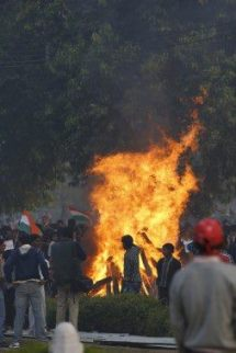 New Dehli - 22th December 2012 -compiled by femen india (5)