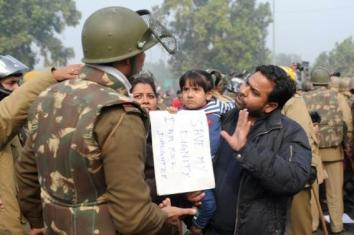 New Dehli - 22th December 2012 -compiled by femen india