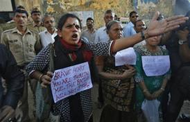 X90042 antirape protest India