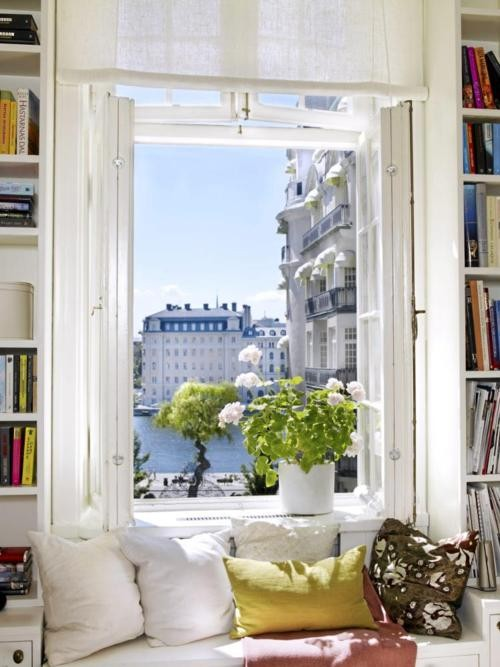 Reading Alcove, Parisphoto via thepreppyyogini