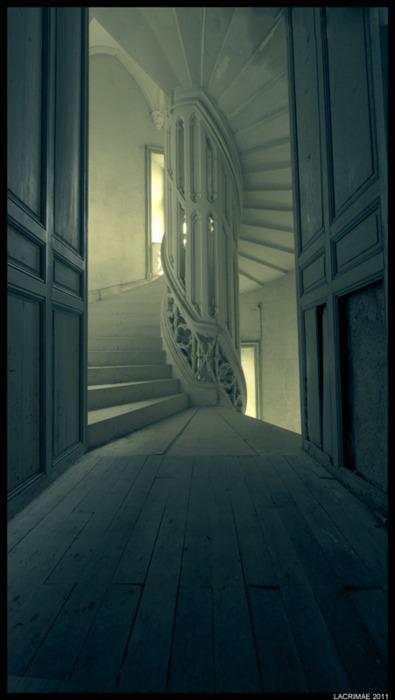 Spiral Staircase, Provence, Francephoto via dawnaurora pinterest