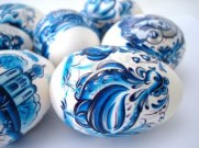 846874-beautiful-blue-easter-eggs
