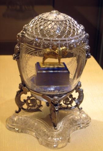 (c) Fabergé Alexander_III_Equestrian_Faberge_egg_02_by_shakko
