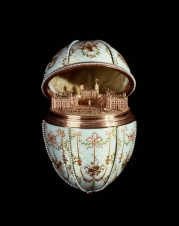 (c) House_of_Fabergé_-_Gat china_Palace_Egg-_Walters_44500_-_Open_View_B