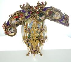 PurpleFabergeEggOpen (c) Fabergé