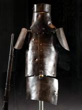 343910-armour-worn-by-ned-kelly
