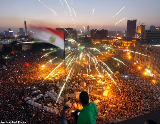 4.55am Obama calls Morsi