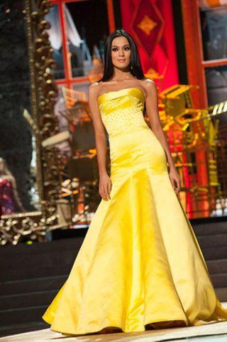 20131110-ariella-arida-evening-gown-miss-universe-story.jpg